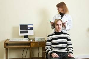 УЗИ головного мозга взрослым: что показывает и как делают?