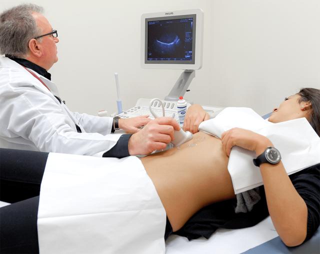 УЗИ кишечника: как делают, что показывает, как подготовиться?