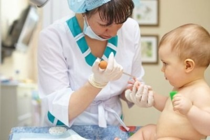Повышены лейкоциты в крови у ребенка: причины, о чем это говорит и что делать?